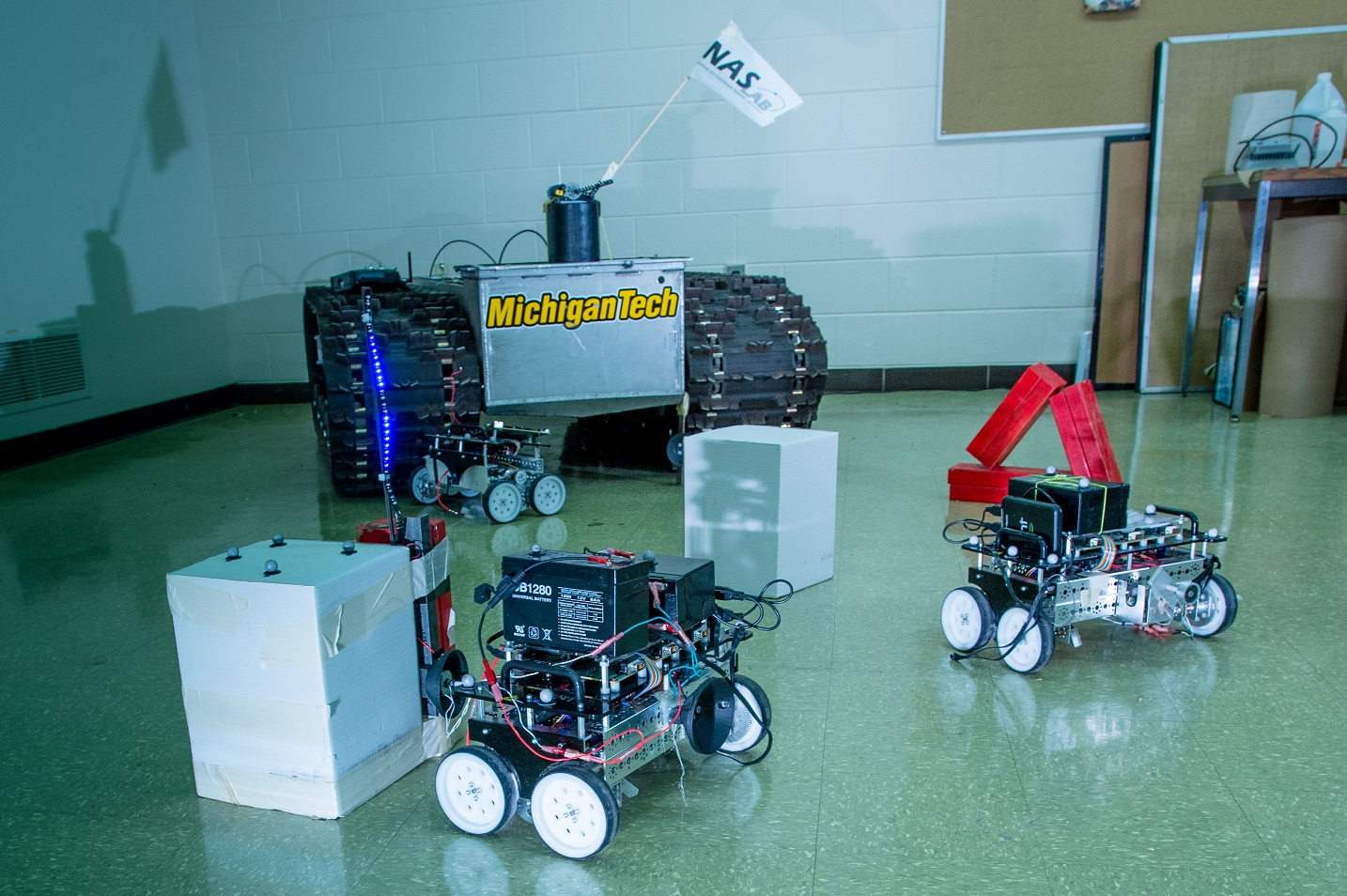 robots09182014001